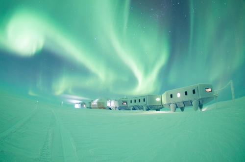 Ice Lab image.Halley VI, Copyright A.Dubber, British Antarctic Survey_blog